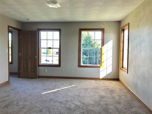 582 BERGAMOT, Roscoe, Illinois, 61073
