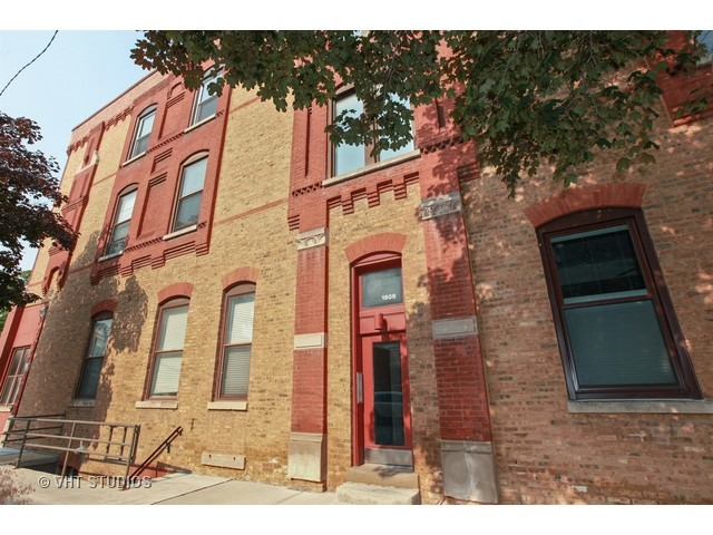 1808 N. Bissell #3A
