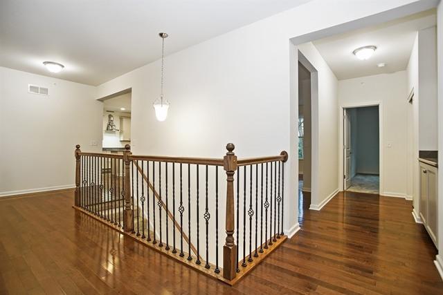 1926 ROSELAND, Hoffman Estates, Illinois, 60192