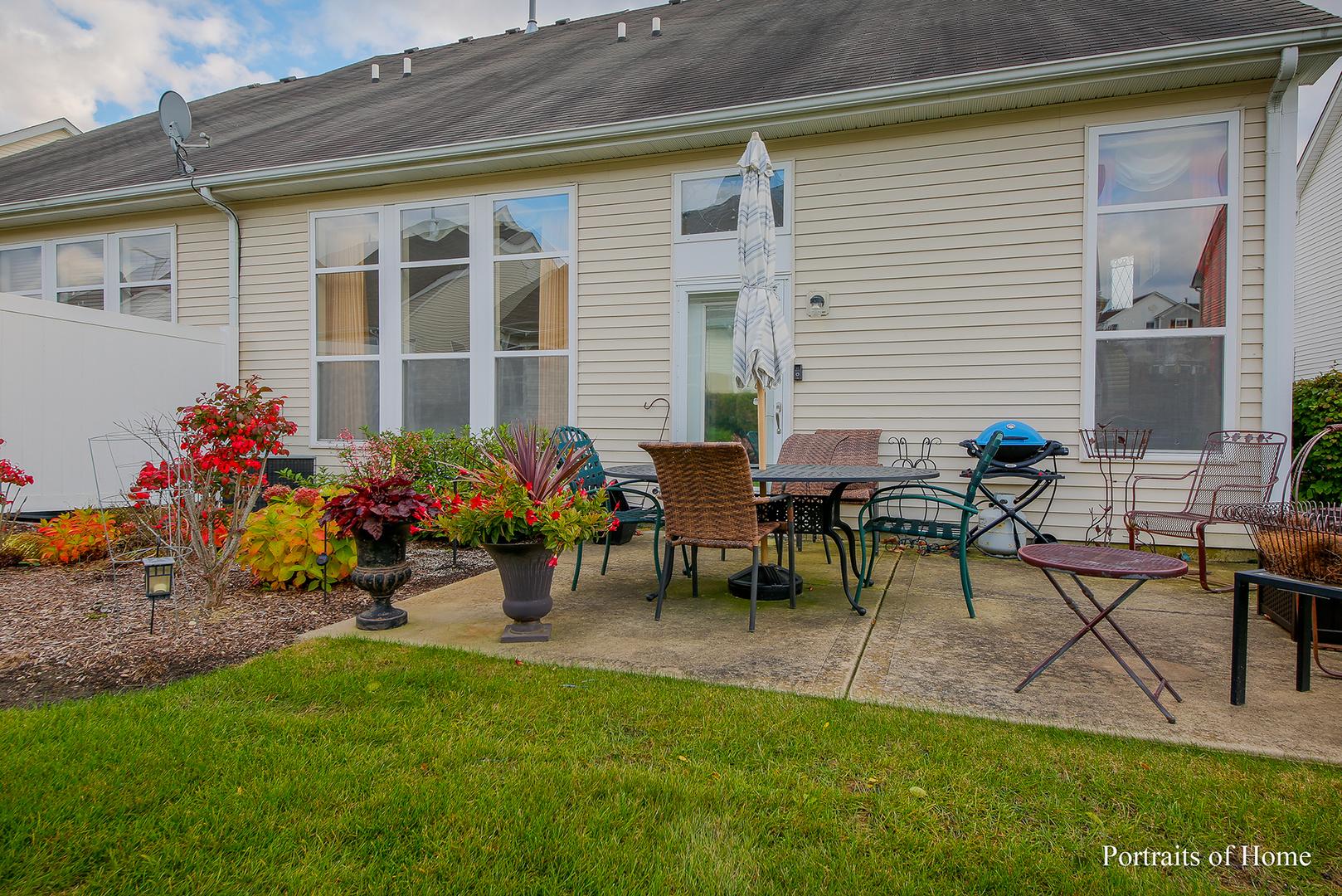 934 Bluebell, Joliet, Illinois, 60431