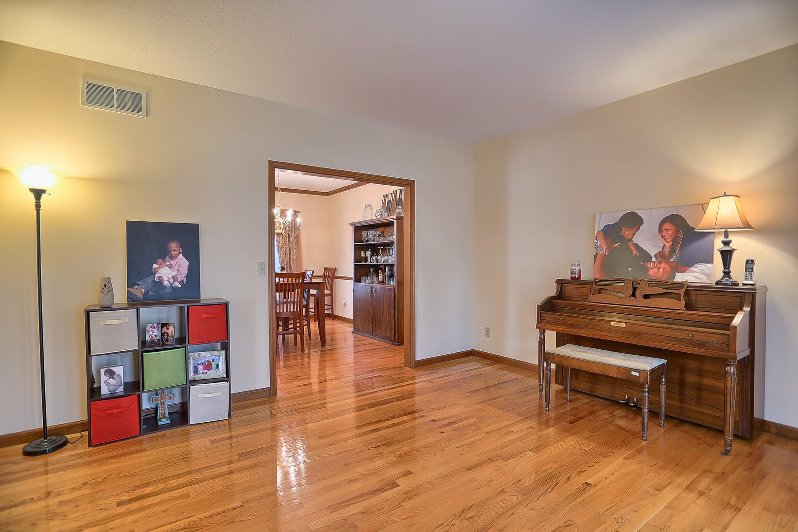 503 Van Buren, SAVOY, Illinois, 61874