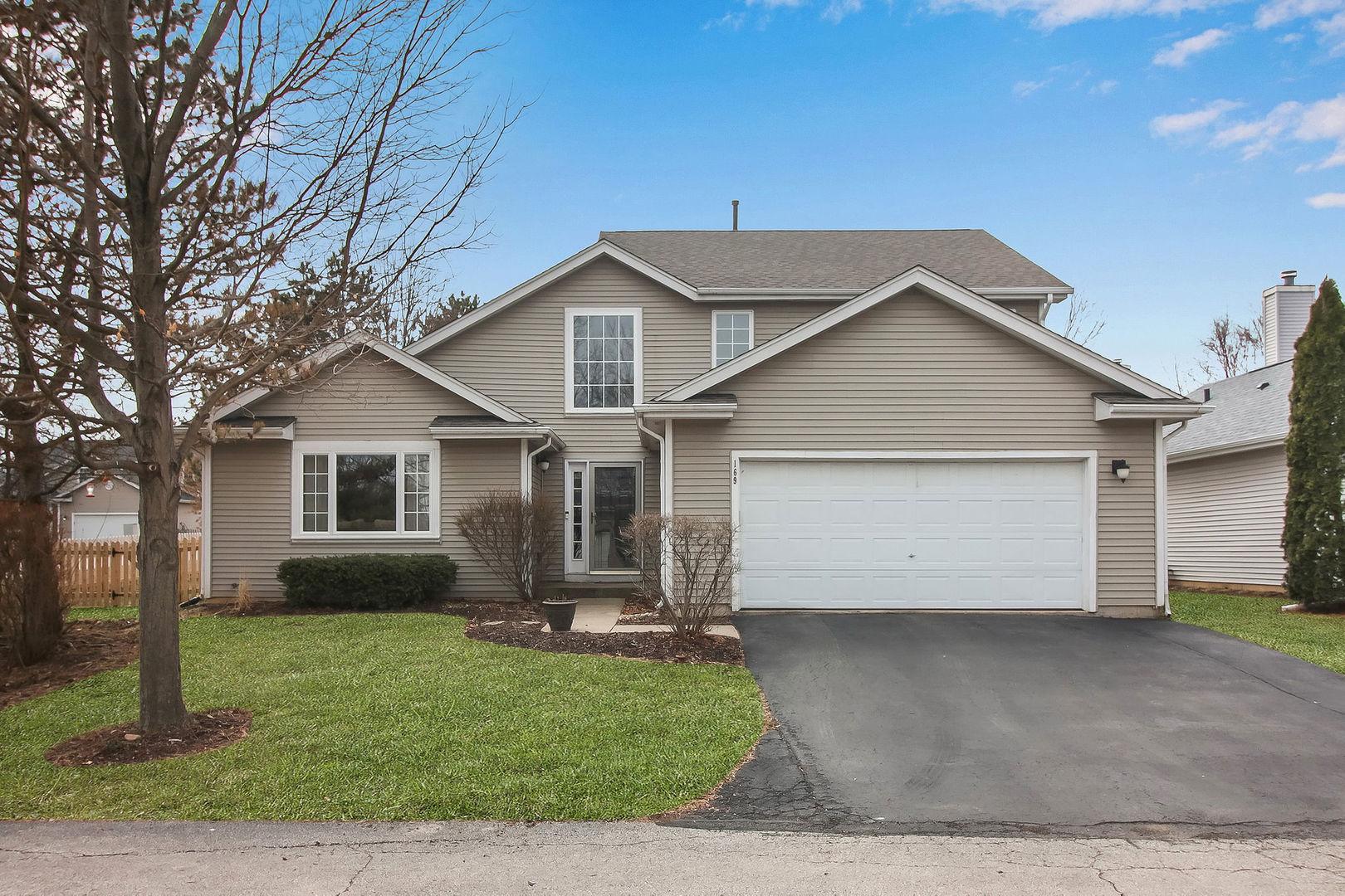 169 North Crooked Lake Lane, Lindenhurst, Illinois 60046