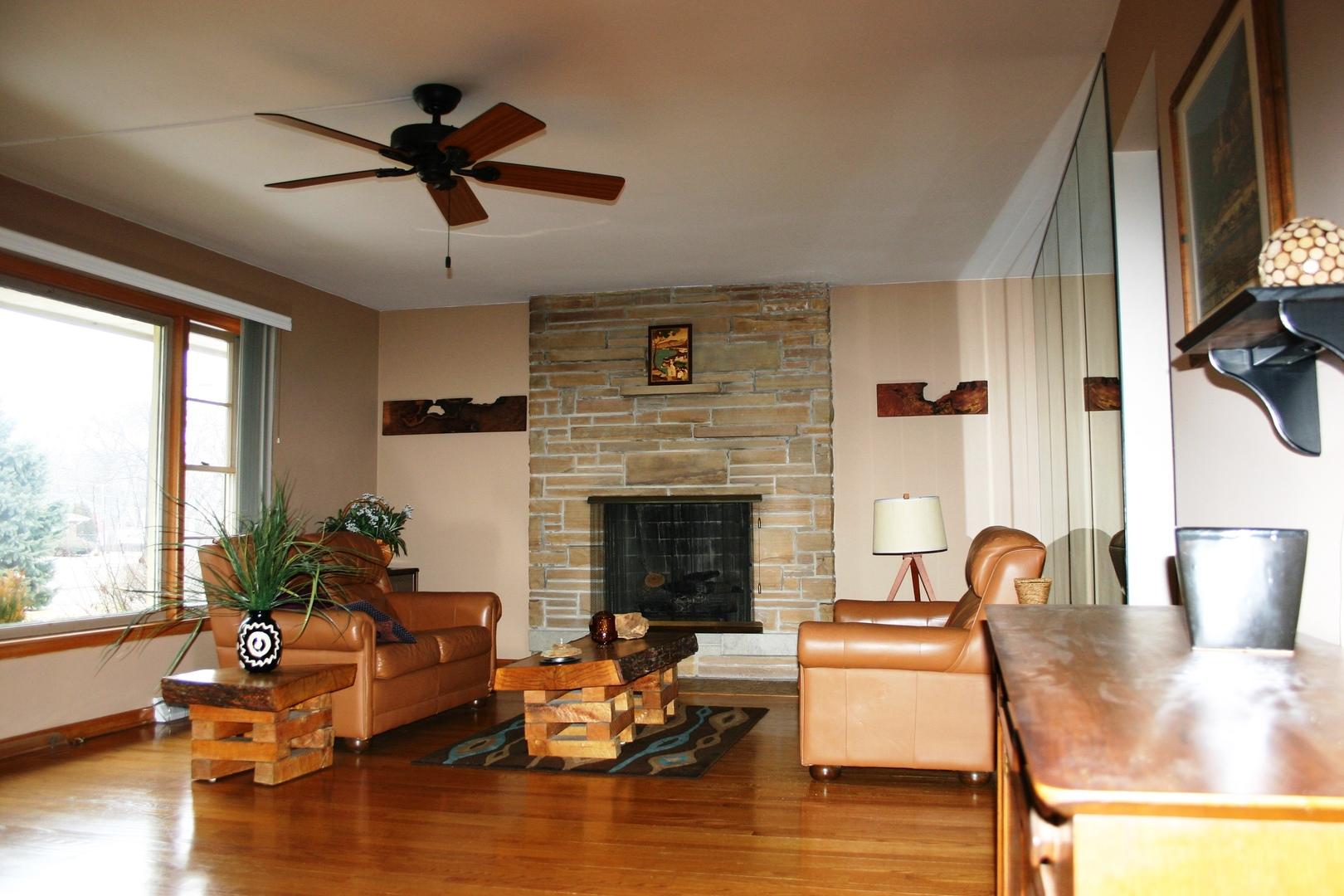 507 South Elmhurst, Mount Prospect, Illinois, 60056