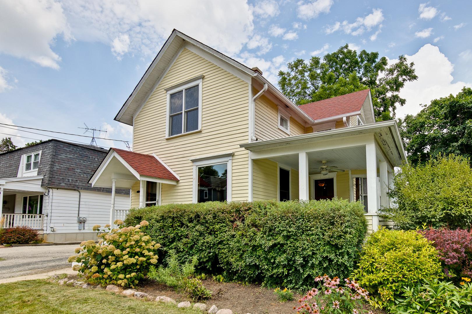 130 Sunnyside Place, Libertyville, Illinois 60048
