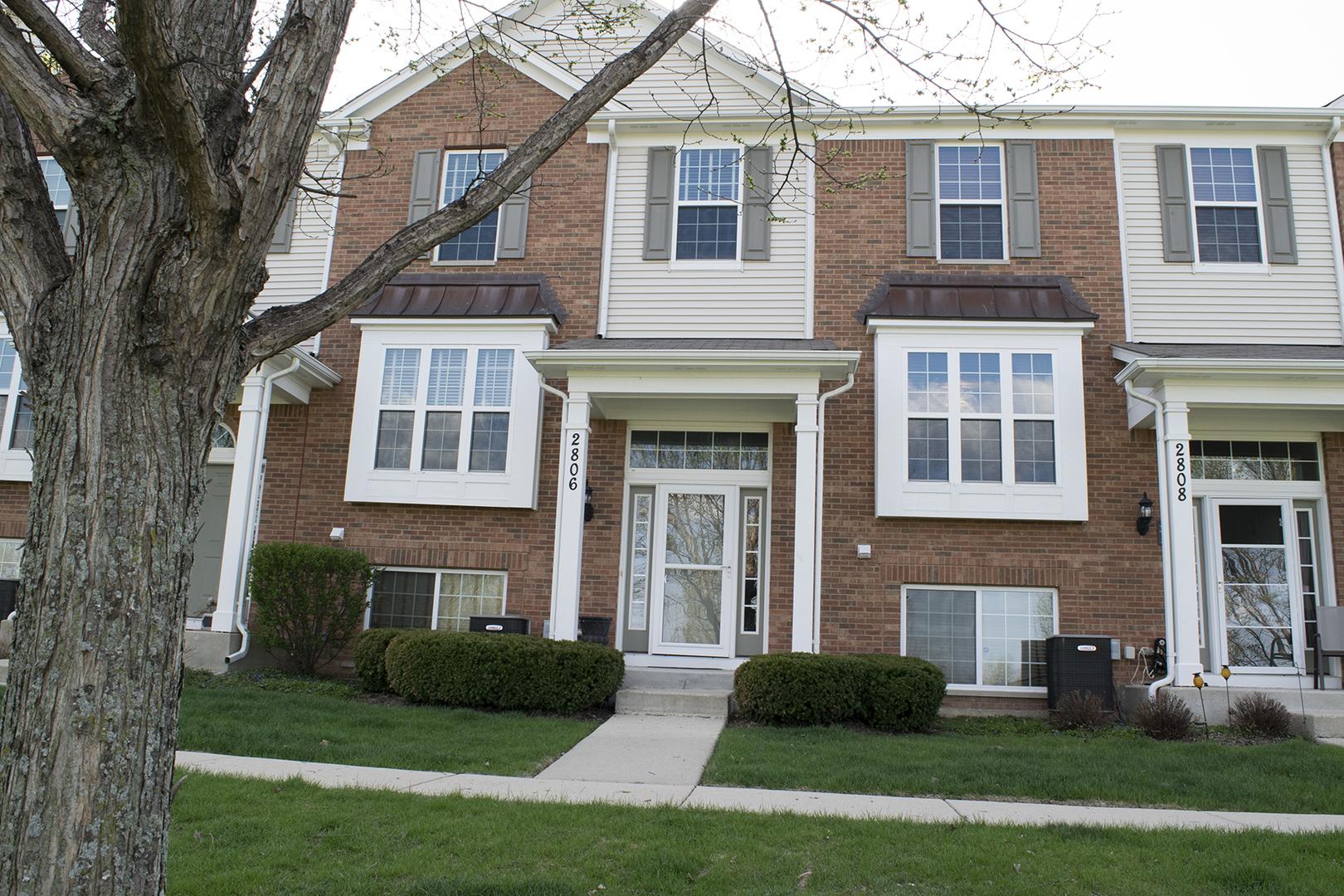 2806 Neubauer Circle, Lindenhurst, Illinois 60046