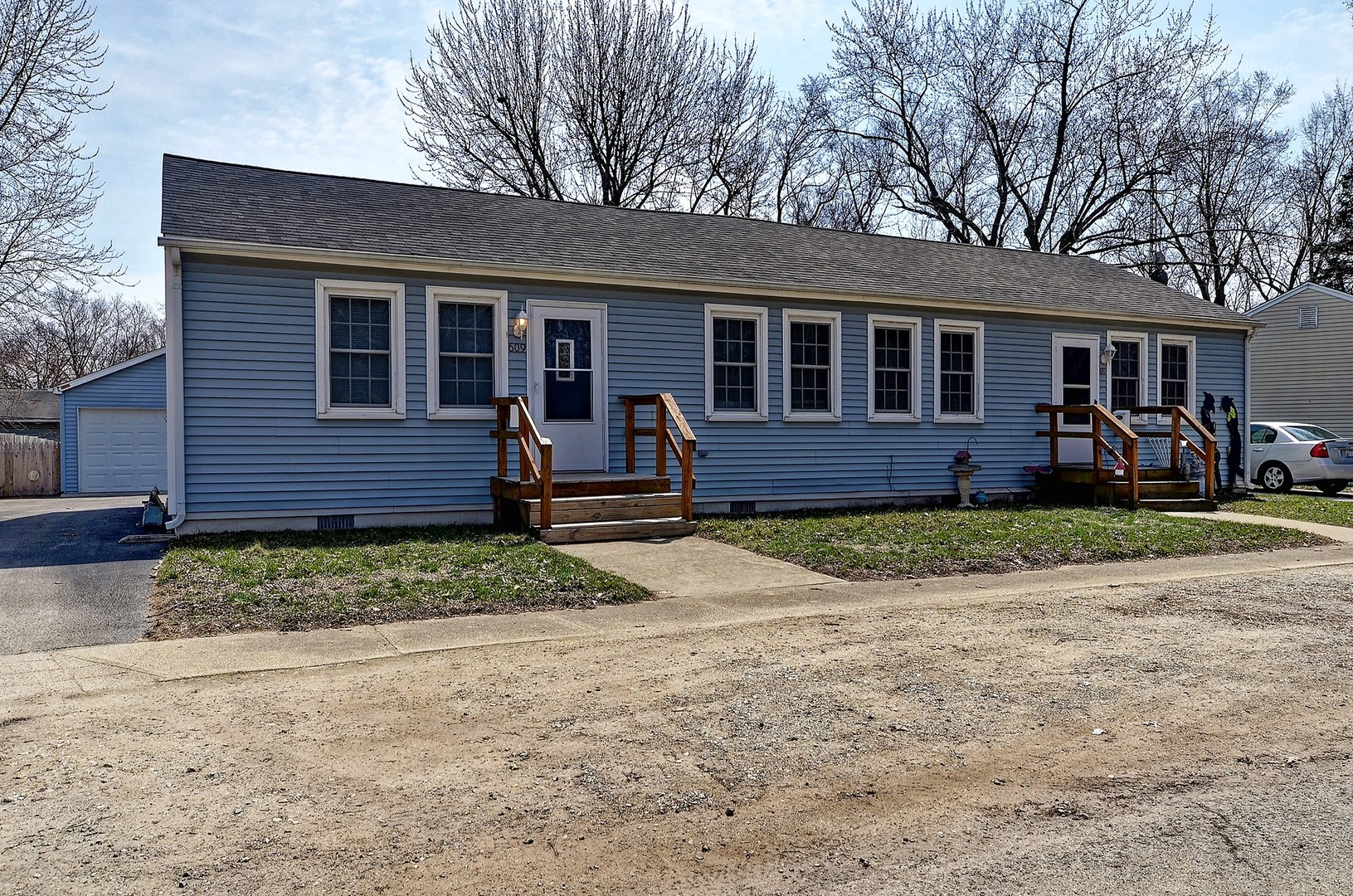 Property for sale at 609 611 South East Street, Wilmington,  IL 60481