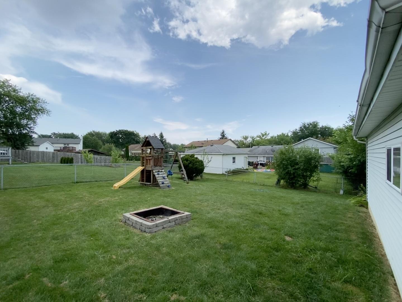 631 Newport, Roselle, Illinois, 60172