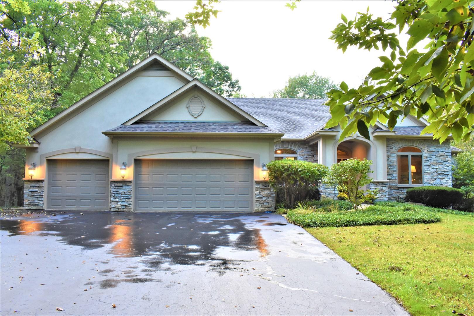 10619 Red Hawk Lane, Spring Grove, Illinois 60081