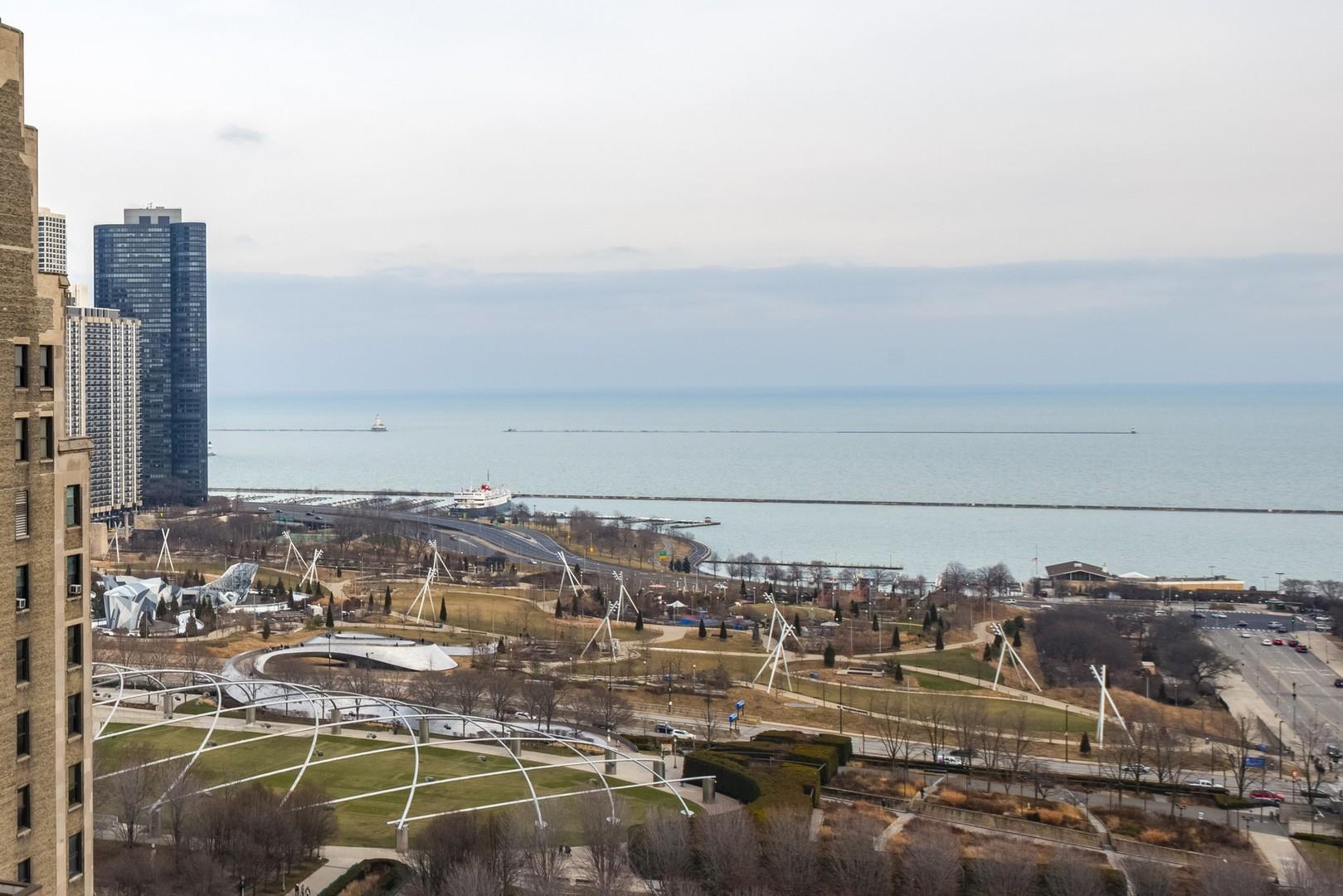 60 East Monroe 2208, CHICAGO, Illinois, 60603