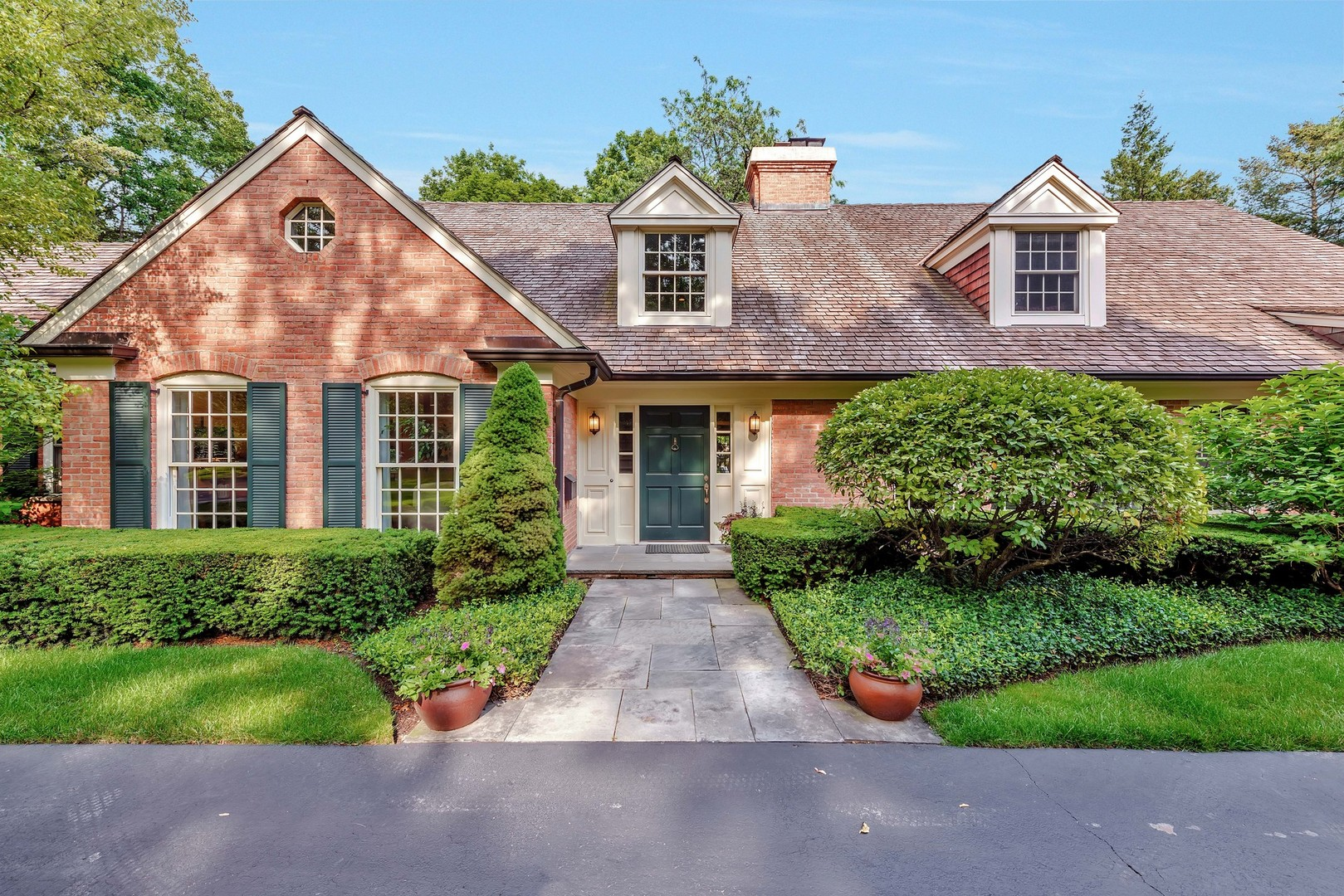 921 Hawthorne Place, Lake Forest, IL 60045