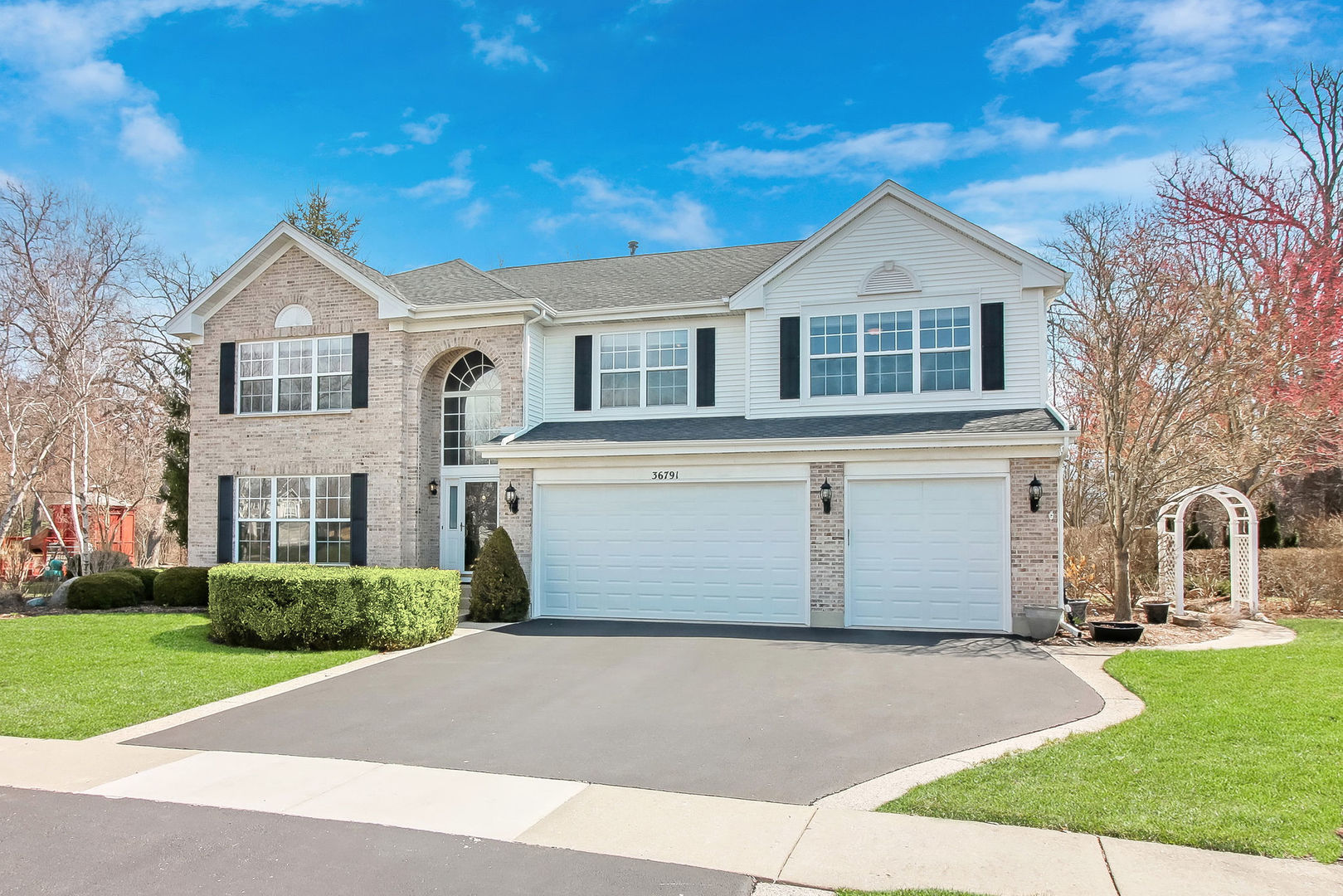 36791 North Yew Tree Drive, Lake Villa, Illinois 60046
