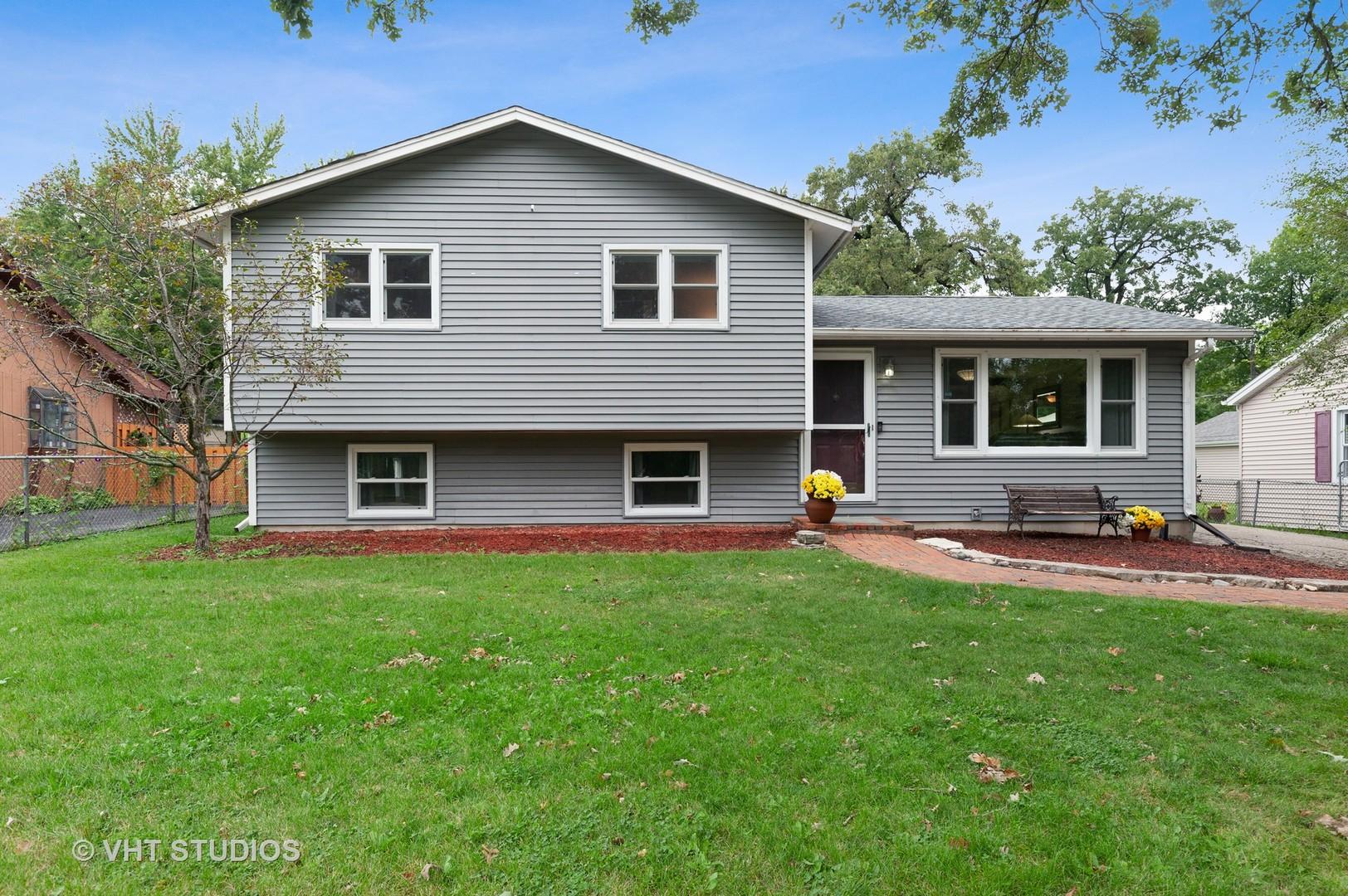 17956 W Twin Lakes Boulevard, Grayslake, Il 60030