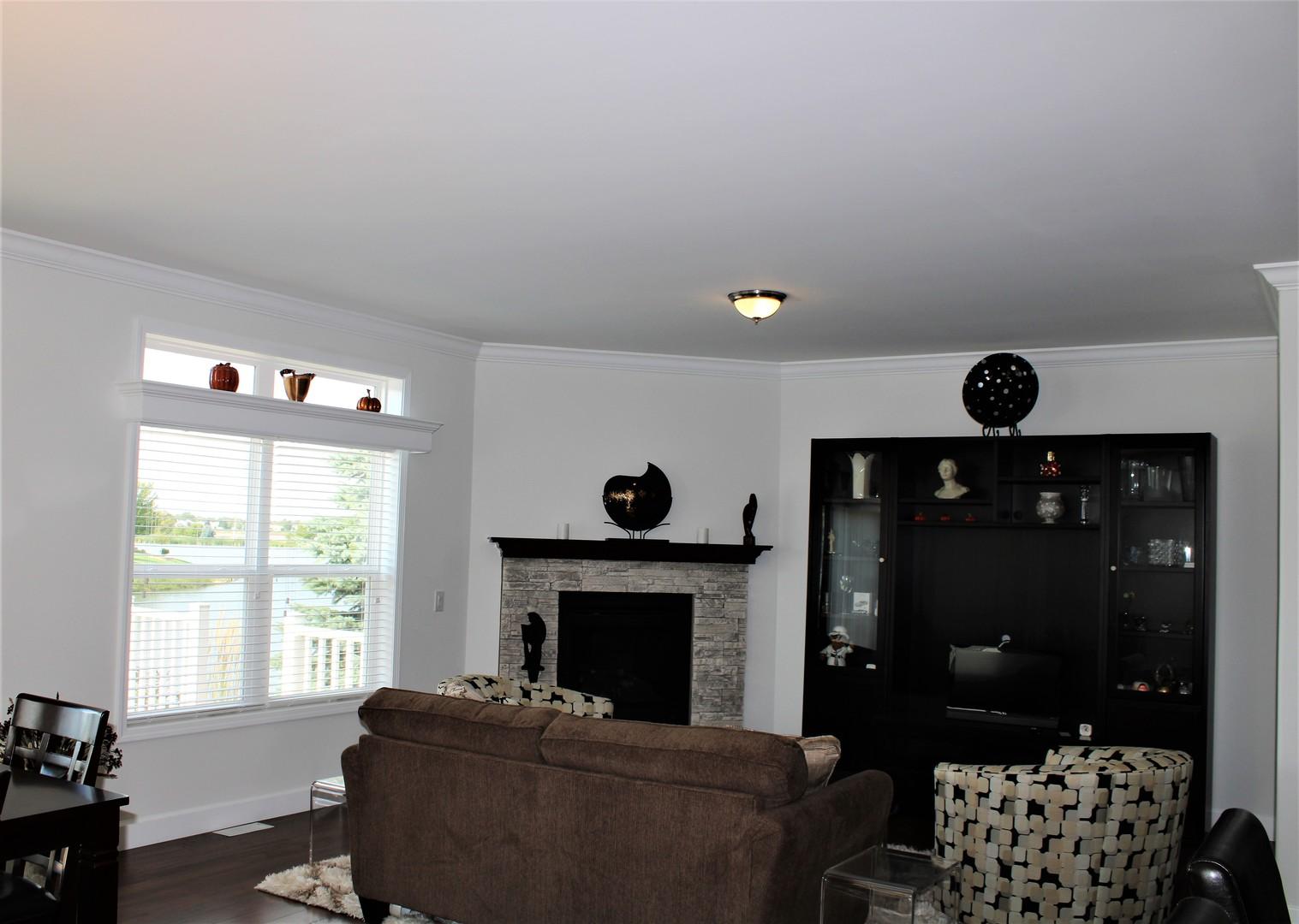 208 Saddleshire, Grayslake, Illinois, 60030
