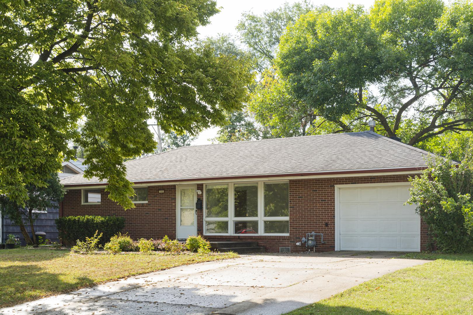 305 Edgebrook, Champaign, Illinois, 61820