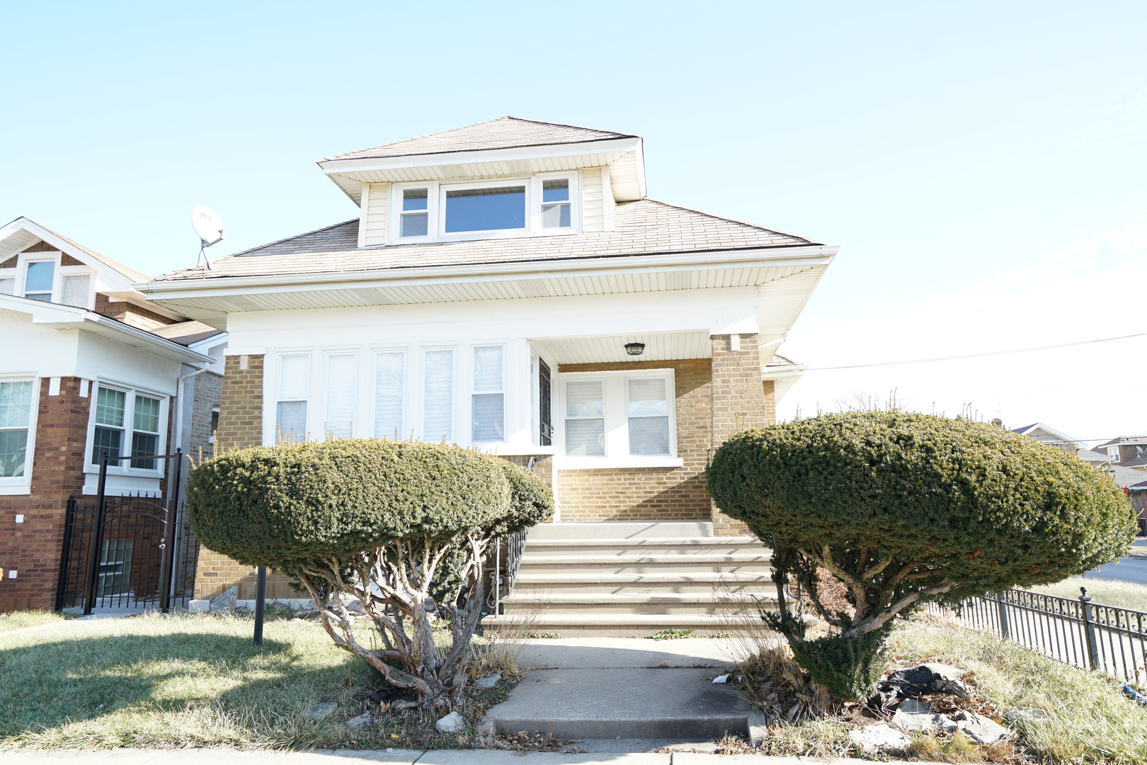 1401 N Mayfield Exterior Photo