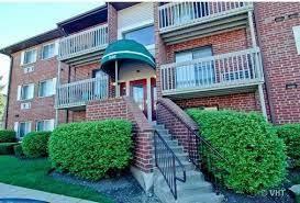 940 N Lakeside Drive, Unit 2d, Vernon Hills, Il 60061