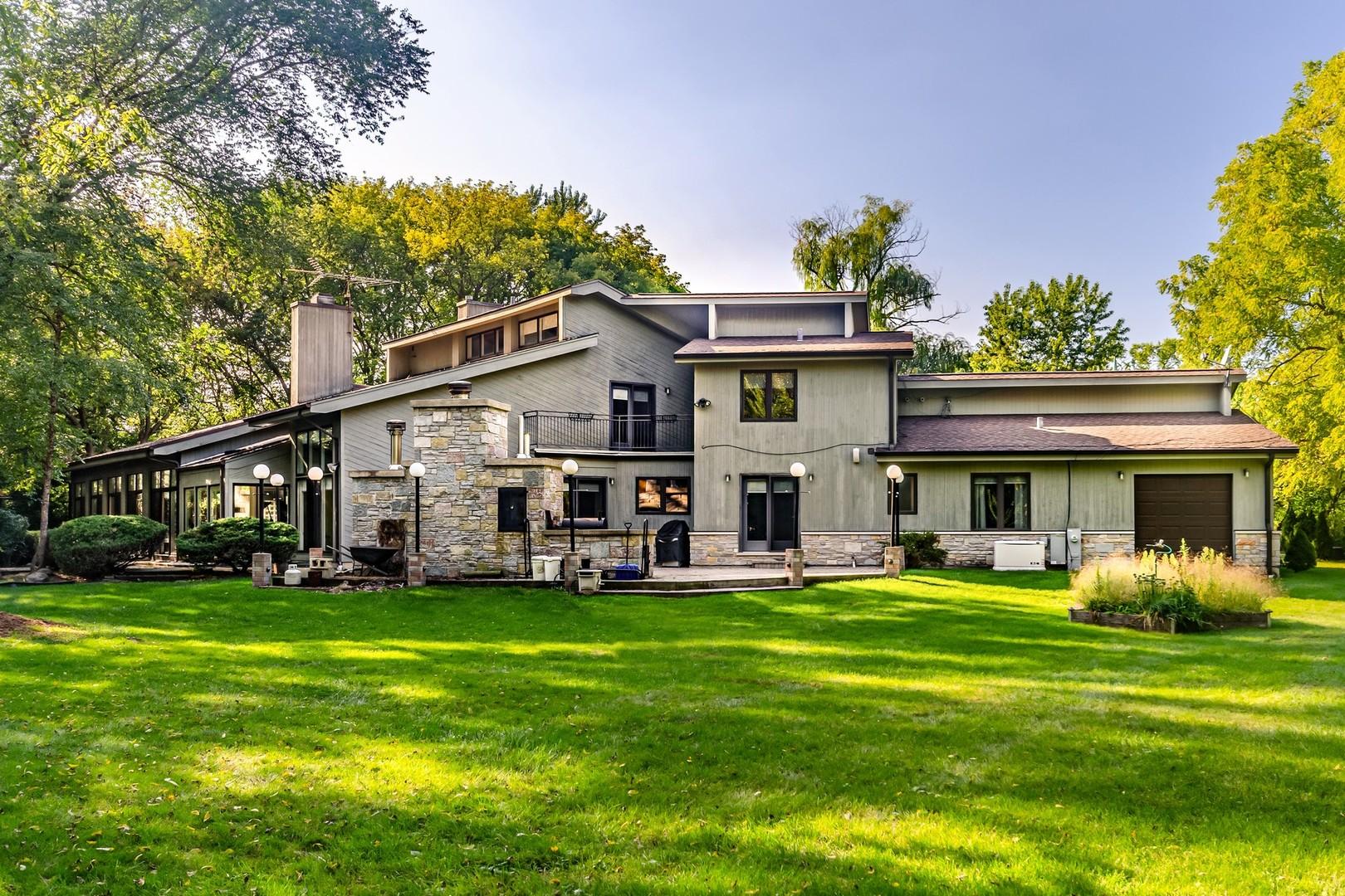955 Gage, Lake Forest, Illinois, 60045
