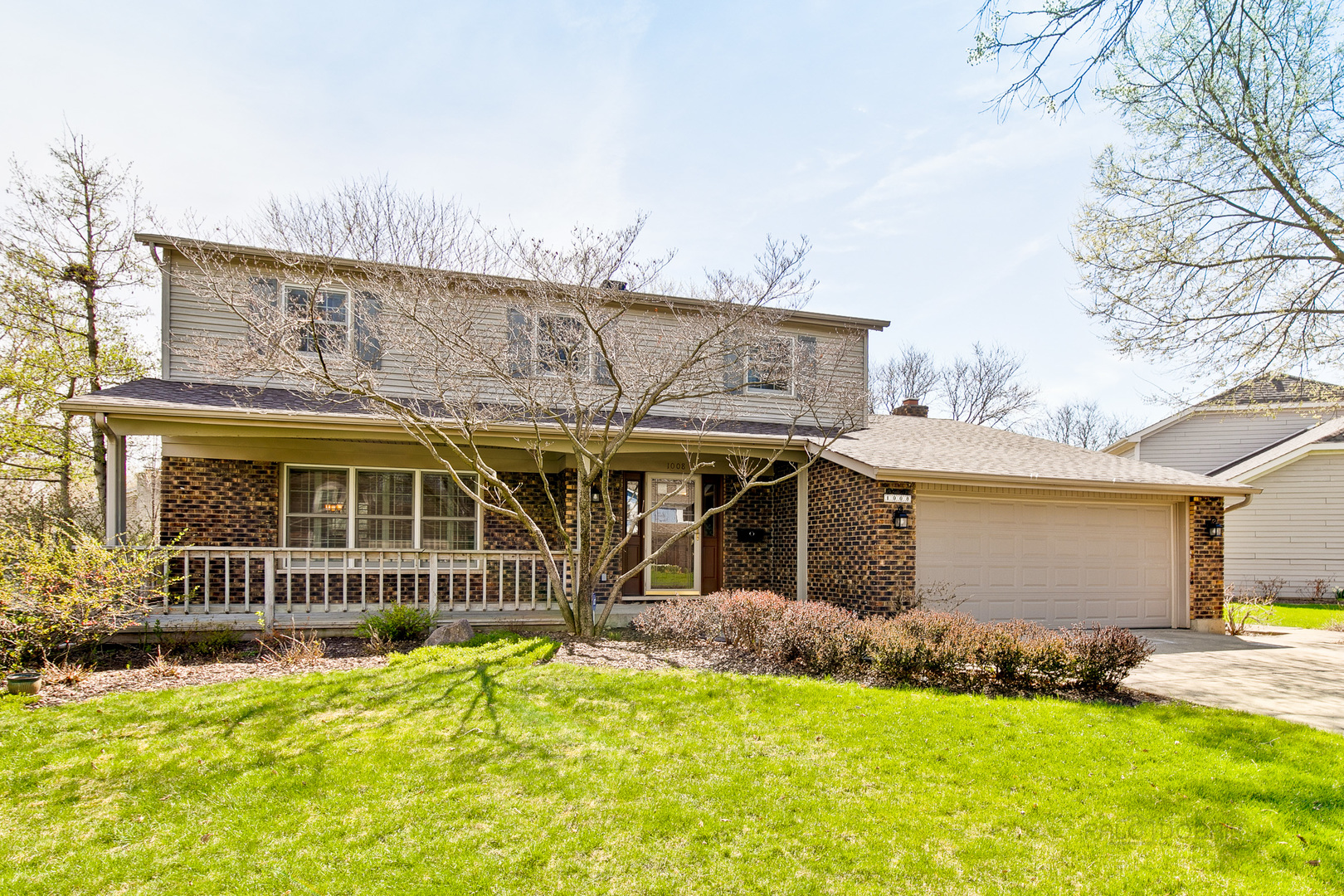 1008 Cambridge Drive, Libertyville, Illinois 60048
