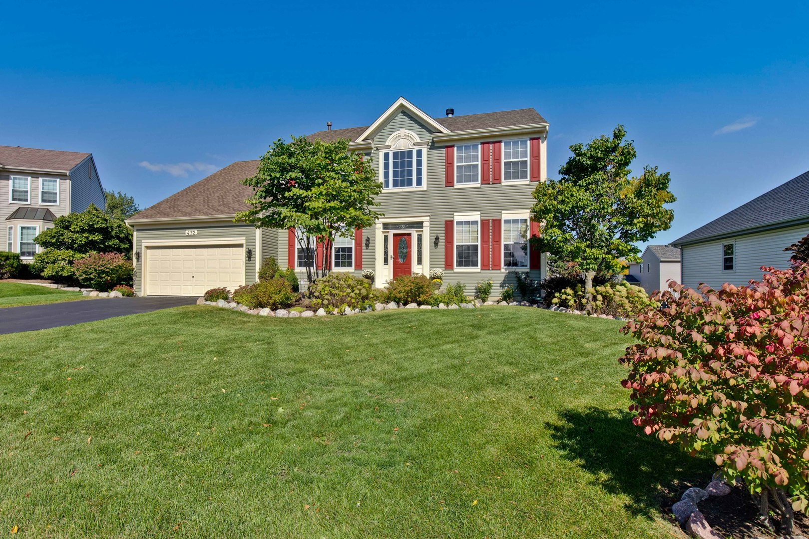 472 Mockingbird Court, Lindenhurst, Illinois 60046