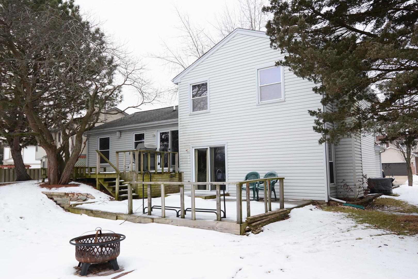 361 Shelburne, Carol Stream, Illinois, 60188