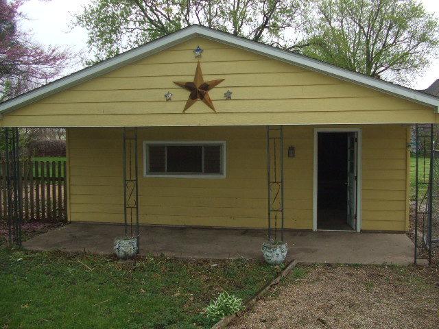 200 South State, Ridge Farm, Illinois, 61870