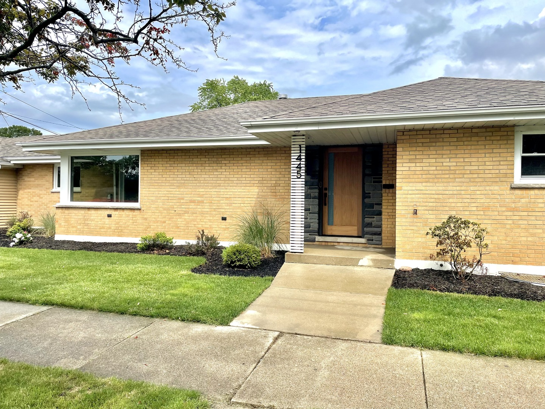 1445 Lahon Street, Park Ridge, Il 60068