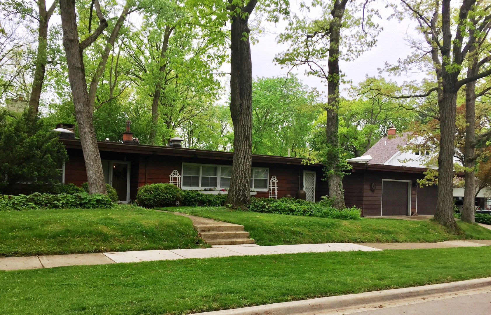 28 Oak Terrace, Lake Bluff, Illinois 60044