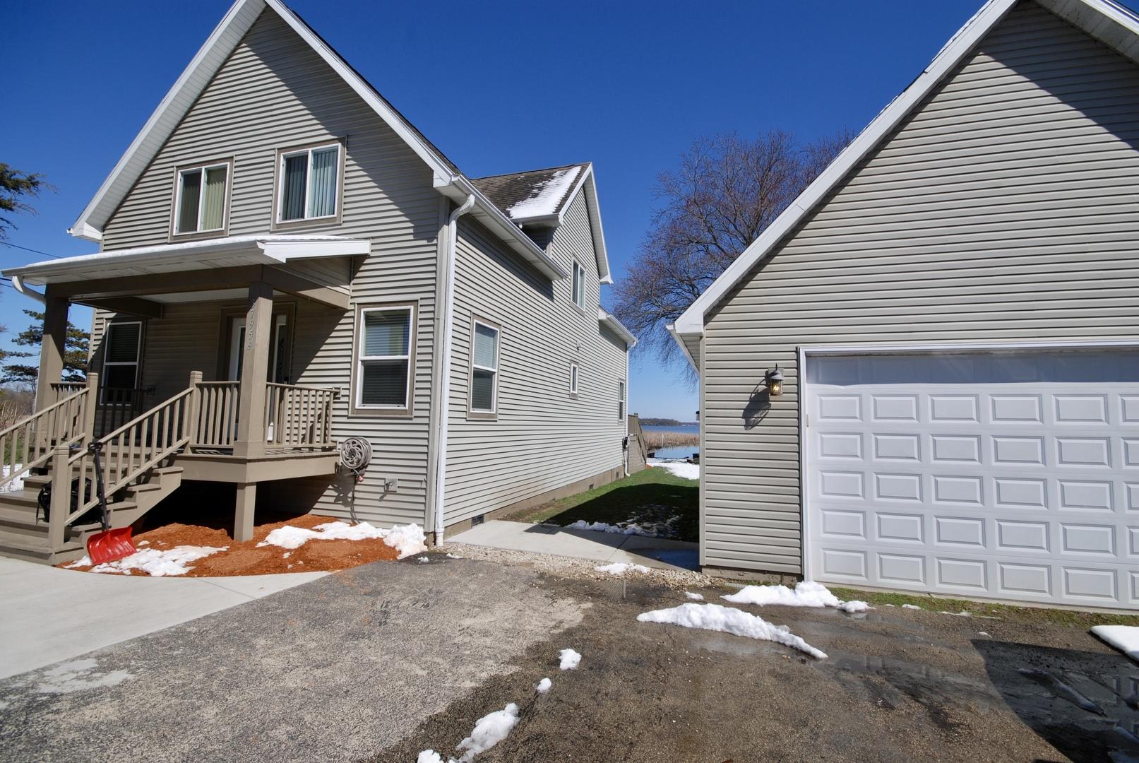 37959 North Lake Vista Terrace, Spring Grove, Illinois 60081