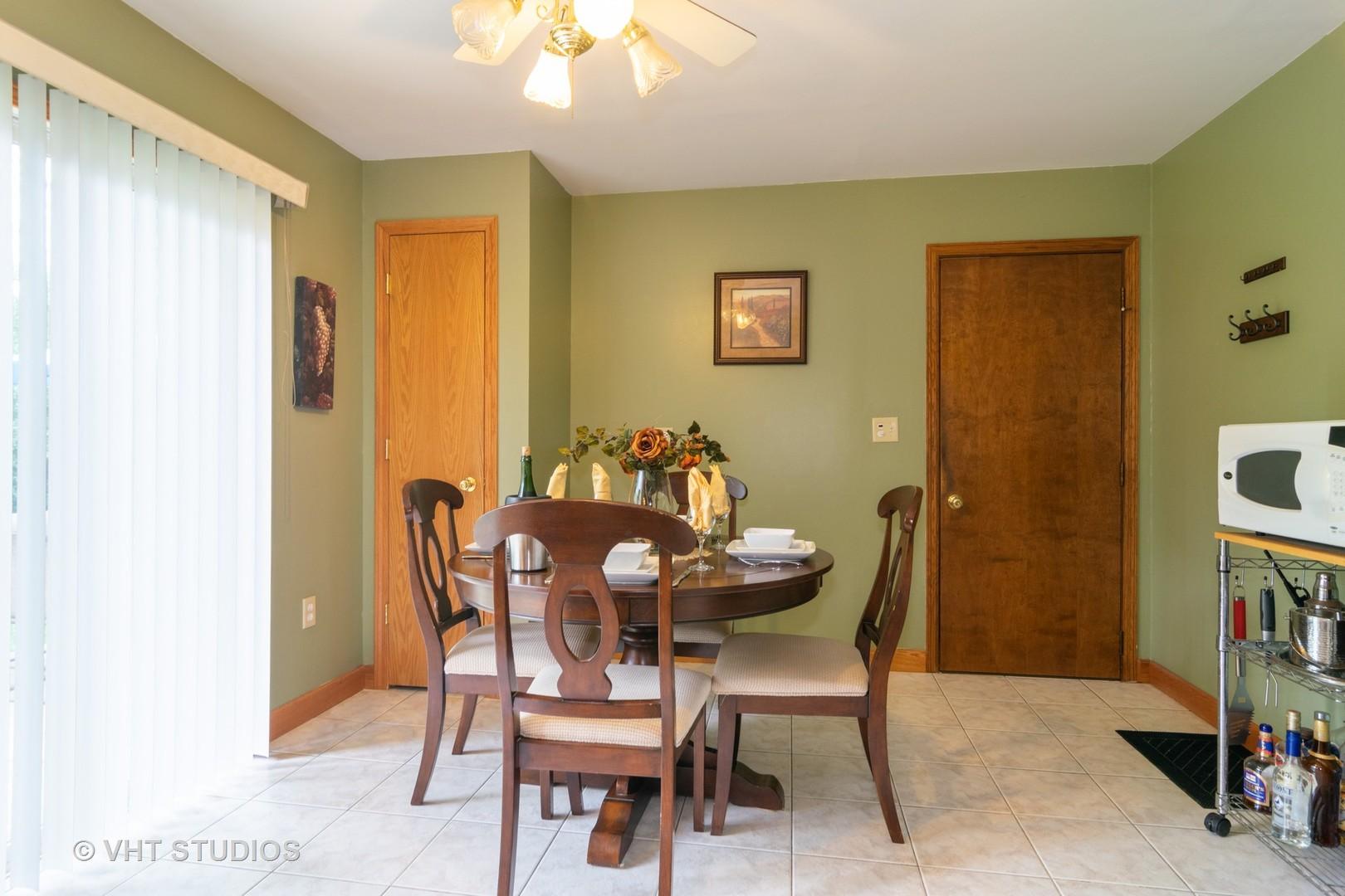 223 Willow, STREAMWOOD, Illinois, 60107