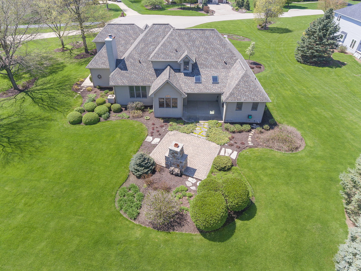 34 West Royal Oaks, Bristol, Illinois, 60512