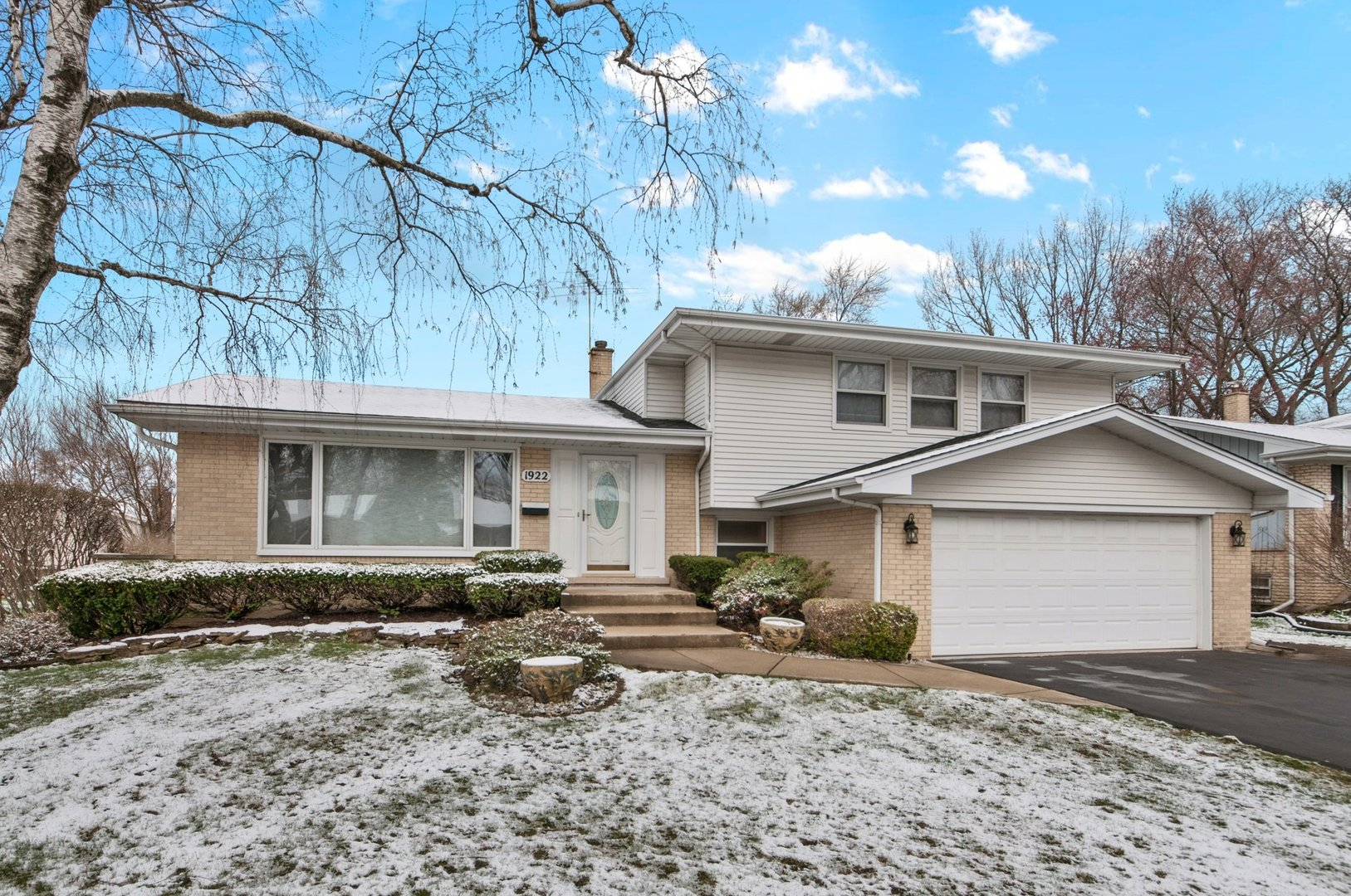 1922 N Eastwood Drive, Arlington Heights, Il 60004