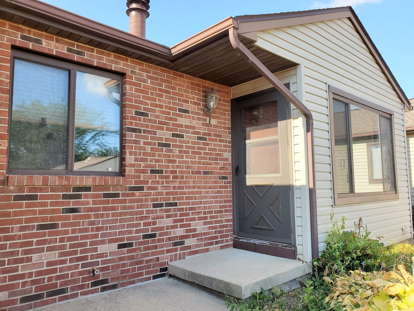 1002 Laura 0, Champaign, Illinois, 61822