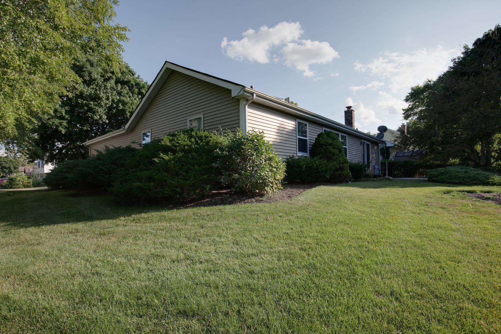 202 Lowell, Vernon Hills, Illinois, 60061