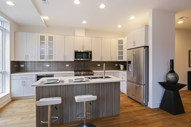 4627 North Beacon 3S, Chicago, Illinois, 60640