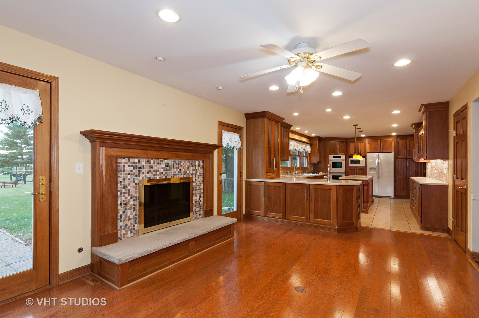 506 Wing, St. Charles, Illinois, 60174