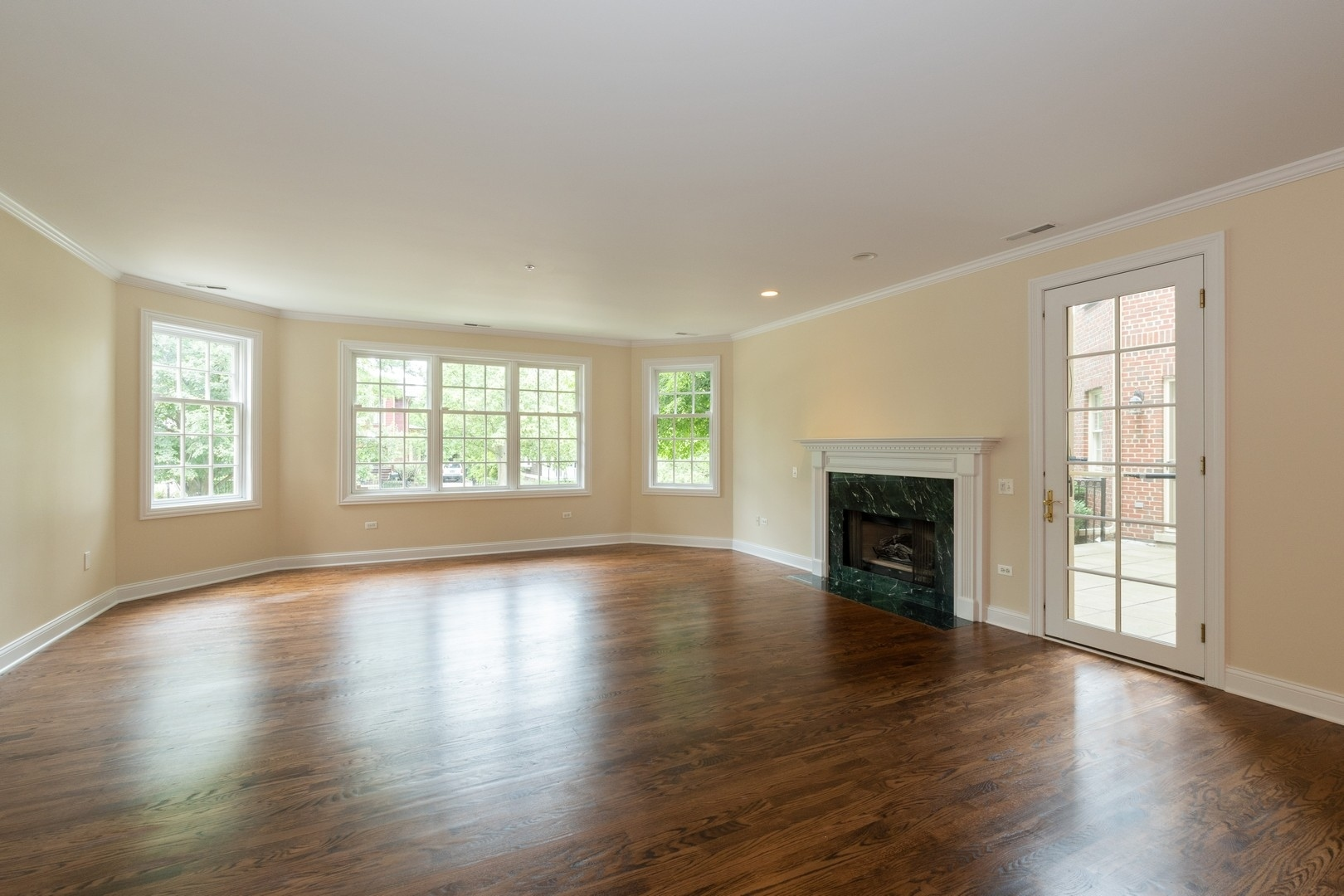 333 East Westminster 1A, Lake Forest, Illinois, 60045