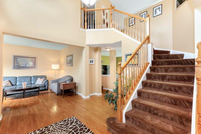 1387 Essex, Hoffman Estates, Illinois, 60192
