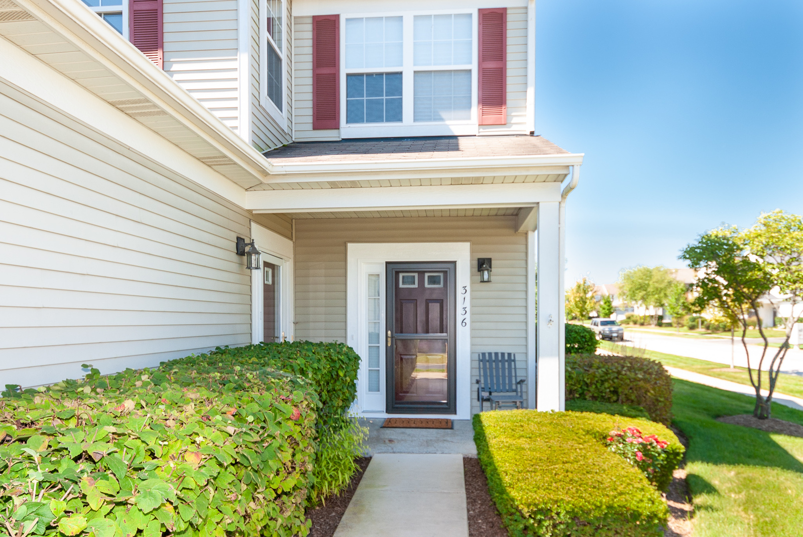 3136 Falling Waters Lane, Unit 1, Lindenhurst, Illinois 60046