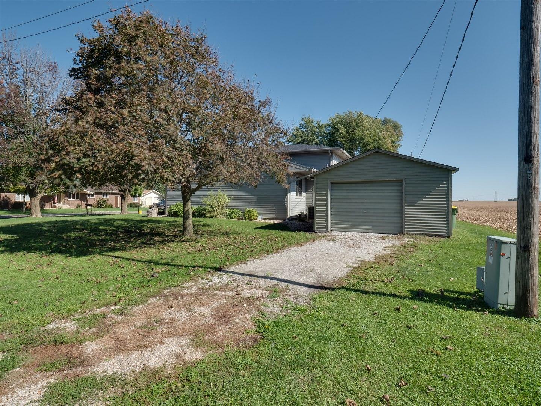 102 Eastview, Lexington, Illinois, 61753