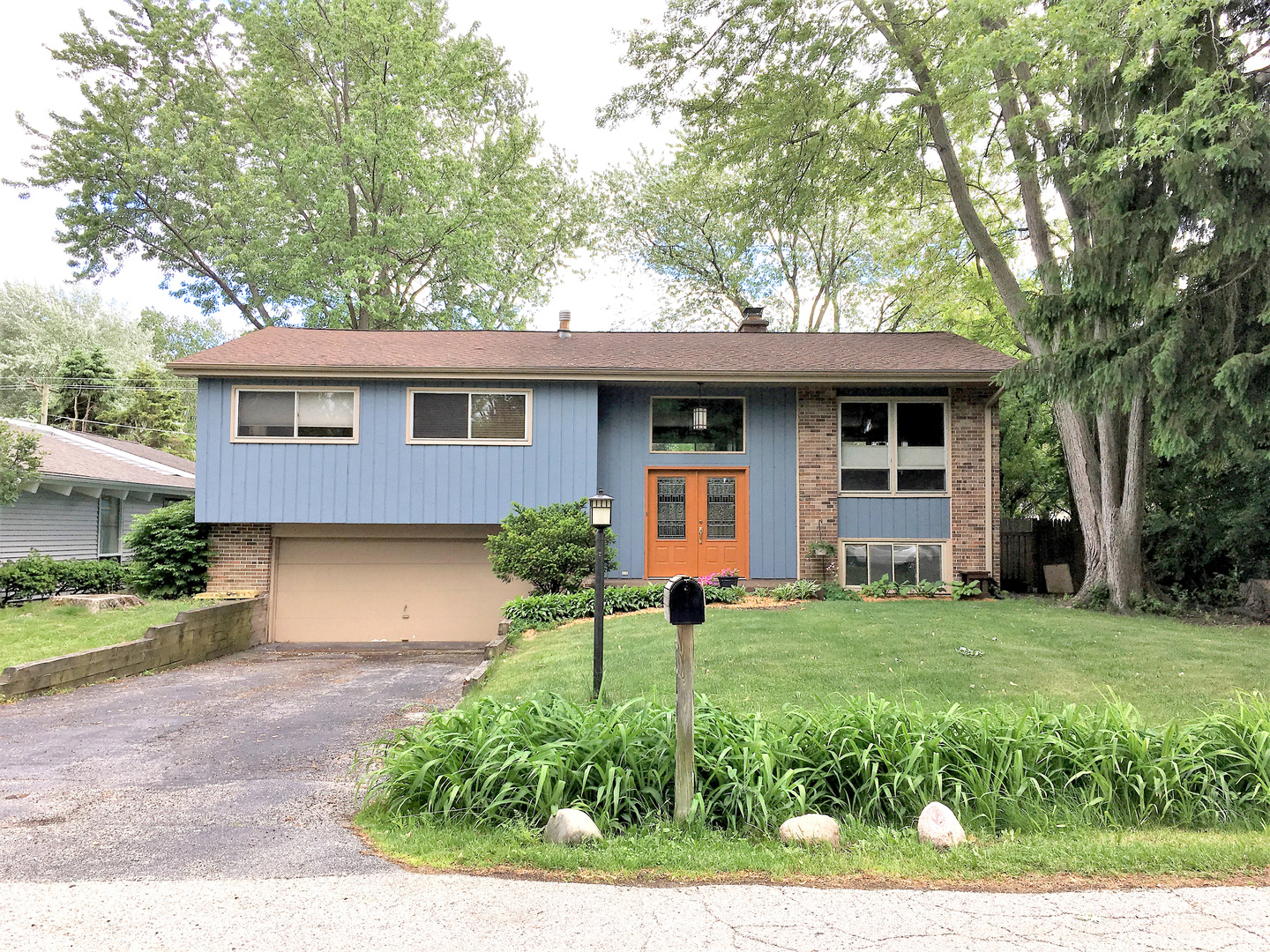 720 West Blodgett Avenue, Lake Bluff, Illinois 60044
