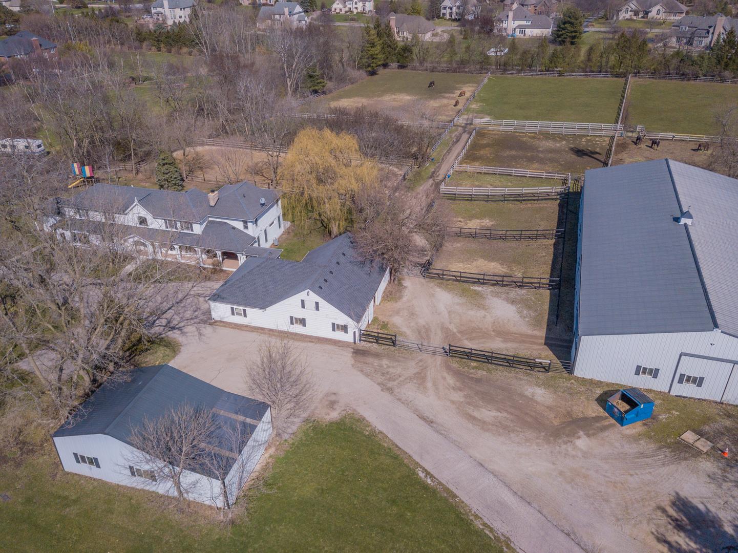 39W359 Silver Glen, ST. CHARLES, Illinois, 60175
