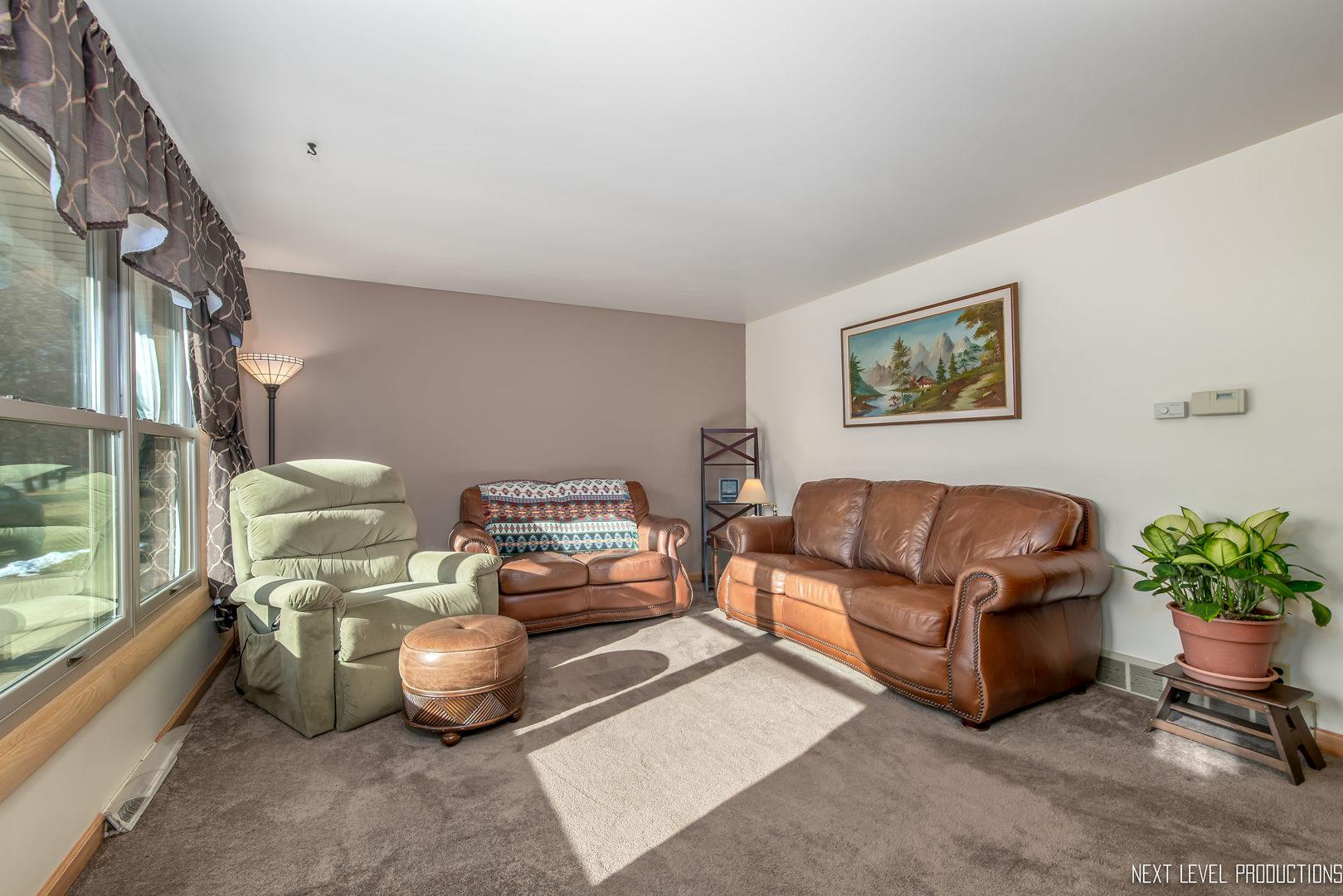 27 North Cypress, Bristol, Illinois, 60512