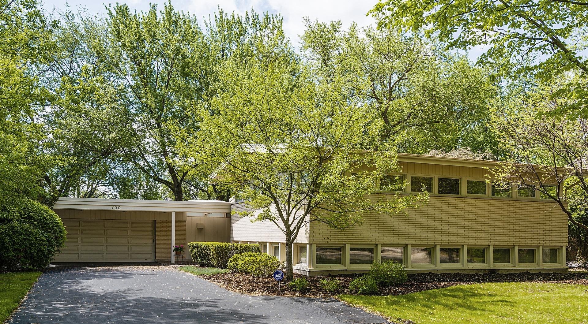 750 Brookvale Terrace, Glencoe, IL 60022