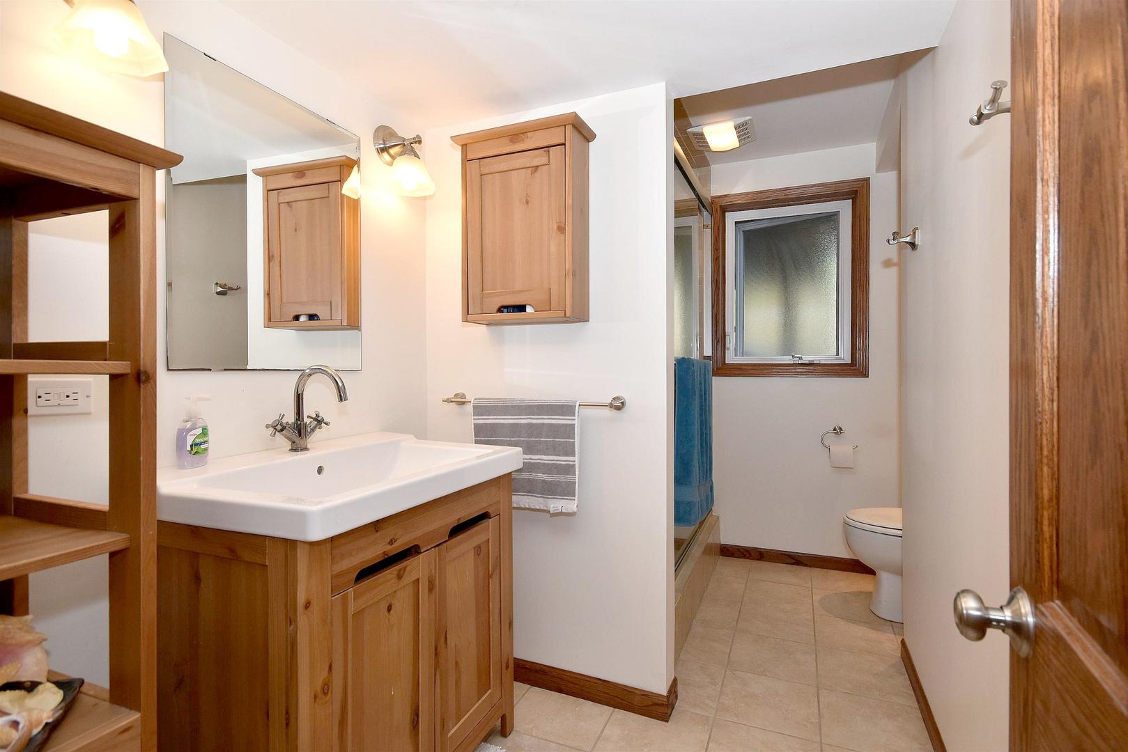 1005 Timber, Darien, Illinois, 60561