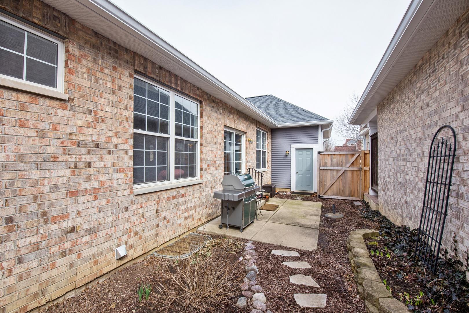 1710 FAIRFAX, OAKBROOK TERRACE, Illinois, 60181