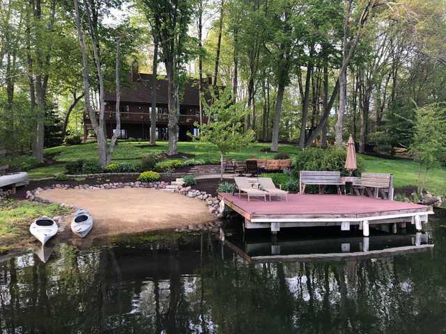 10 Birch Lakes Drive, Hawthorn Woods, Illinois 60047