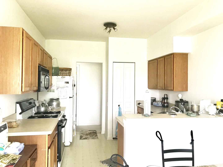 899 CARLSBAD, ELGIN, Illinois, 60123
