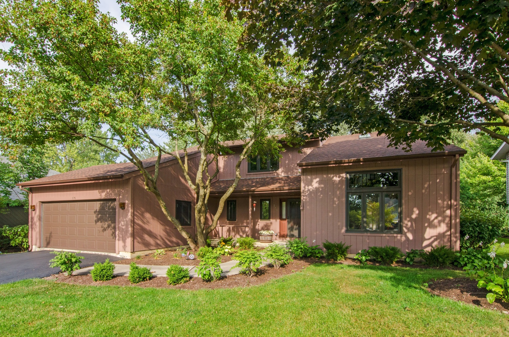 176 Vista Road, Lake Zurich, Illinois 60047