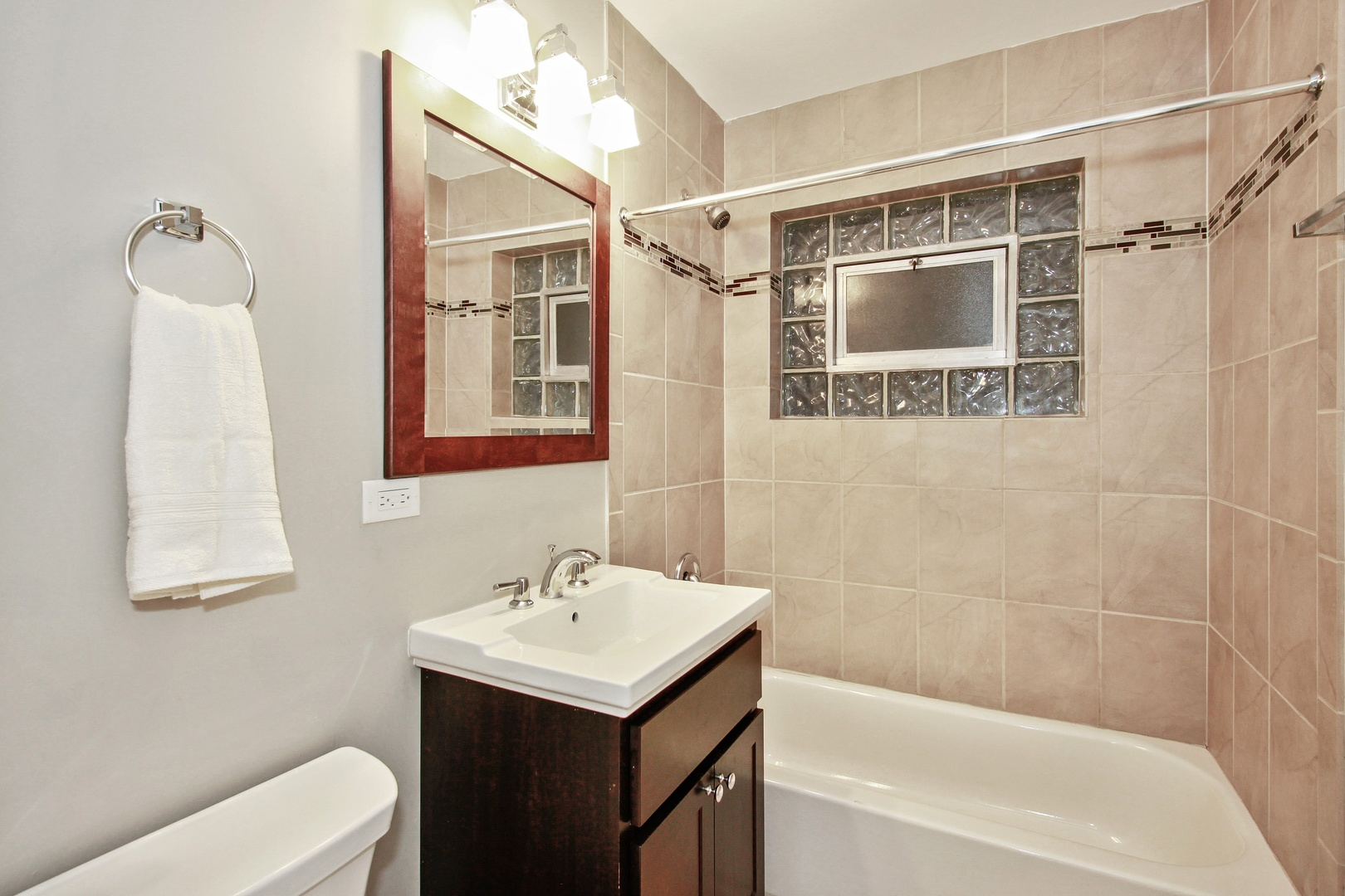 8219 South Langley, CHICAGO, Illinois, 60619