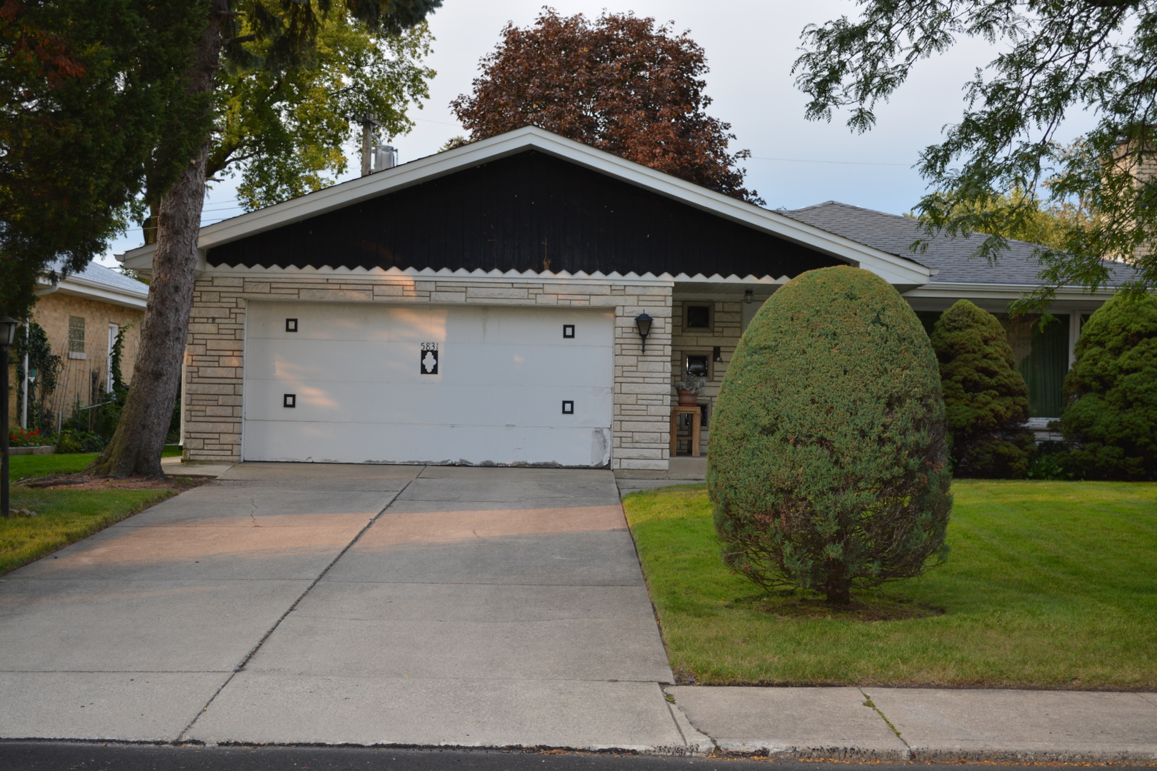 5831 N Lacey Exterior Photo